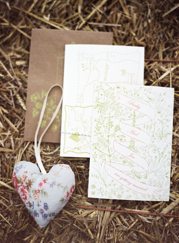 Rustic, delicate pink and green wedding invitation - Photo by Aneta MAK