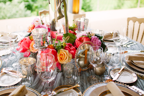 Pretty pink, coral and gold centerpiece with silver vintage inspired decor - Photo by Dan Stewart Photography