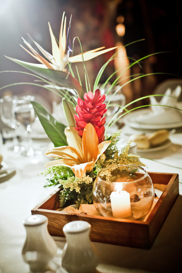 Tropical Wedding Photo With Beach Inspired Centerpiece By Jagstudios