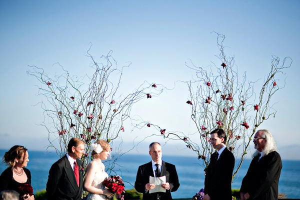 photo by Los Angeles wedding photographer Joy Marie - oceanside ceremony