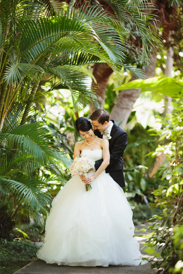 The happy couple at their tropical Hawaii wedding - Photo by Sara and Rocky Photography