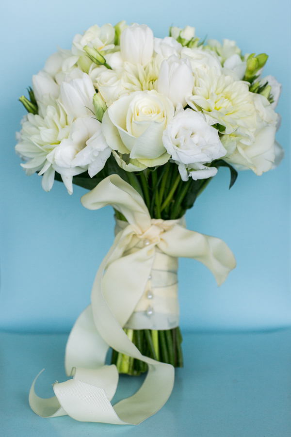 Classic and elegant white and ivory bridal bouquet - Photo by Sarah Tew Photography