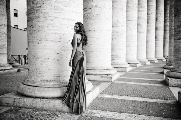 alternate wedding dress - wedding photo by top Rome based destination wedding photographer Rochelle Cheever, Rome Weddings Photography
