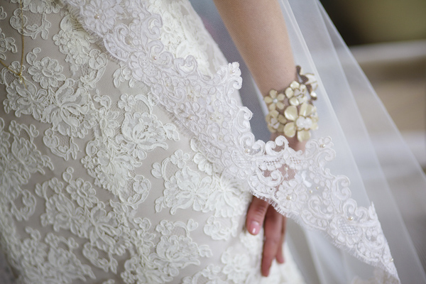 intricate lace detail photo on wedding dress and veil - wedding photo by top Atlanta-based wedding photographer Scott Hopkins Photography
