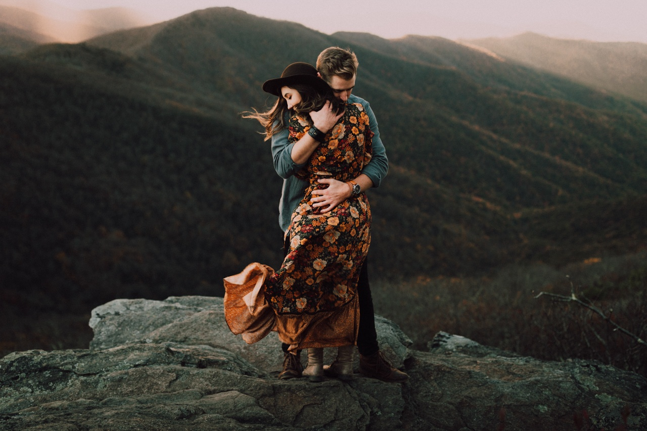 55 Cute Engagement Photo Ideas to Inspire