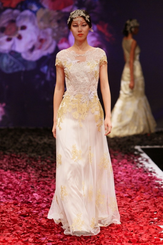 Claire Pettibone - Fall 2014 Bridal Collection - Amber Wedding Dress</p>