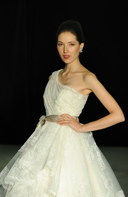Anne Barge - Fall 2014 Bridal Collection  - Magic Swan Wedding Dress</p>