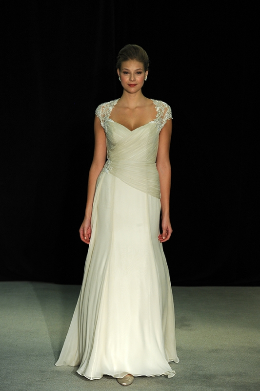 Anne Barge - Fall 2014 Black Label Collection  - Lamour Wedding Dress</p>