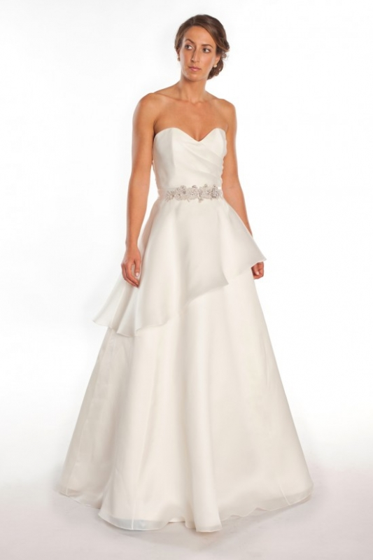 Wedding dresses for sale in san francisco for Cheap wedding dresses san diego