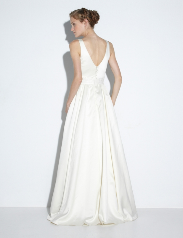 Nicole miller wedding dresses fall 2014 bridal collection elena bridal gown junglespirit Choice Image