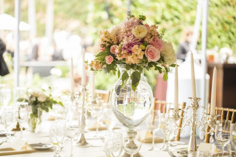 blush and gold wedding in California, photo by D. Park Photography