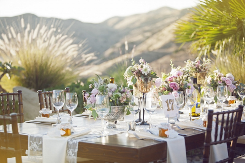 outdoor wedding reception table decor, photo by Duke Photography