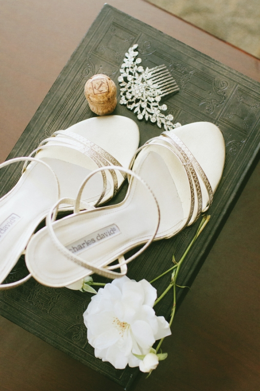 white strappy Charles David shoes and crystal hair clip, photo by Wai Reyes Photography