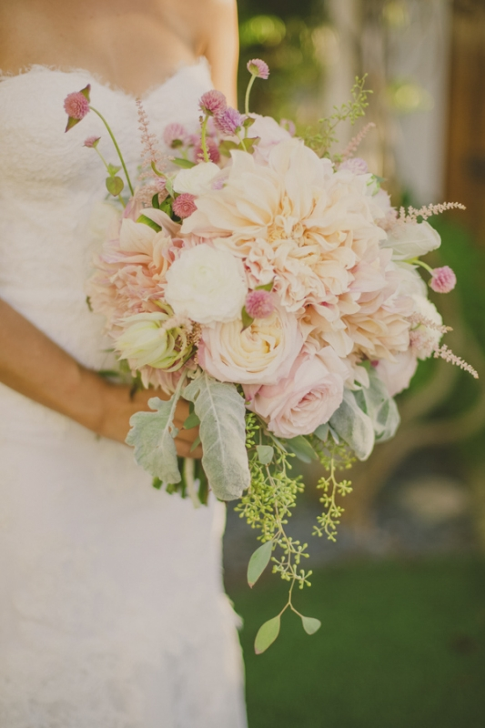 loose and organic bridal bouquet, photo by Closer to Love Photography
