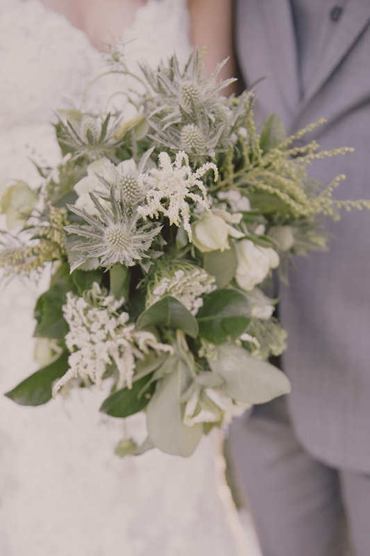natural, organic green birdal bouquet, photo by Studio Impressions