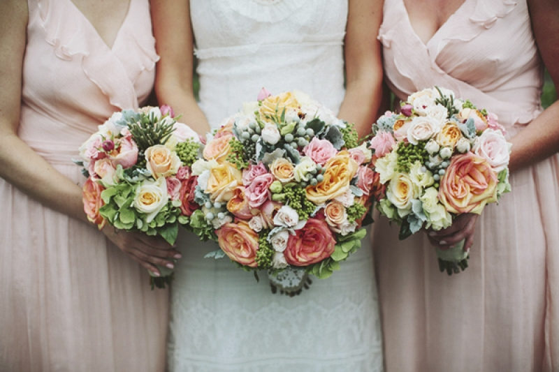 pink, white and orage bouquets, photo by Rowan Jane Photography