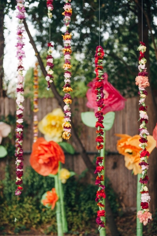 DIY Eclectic Backyard Floating Hanging Carnation Floral Wedding Display