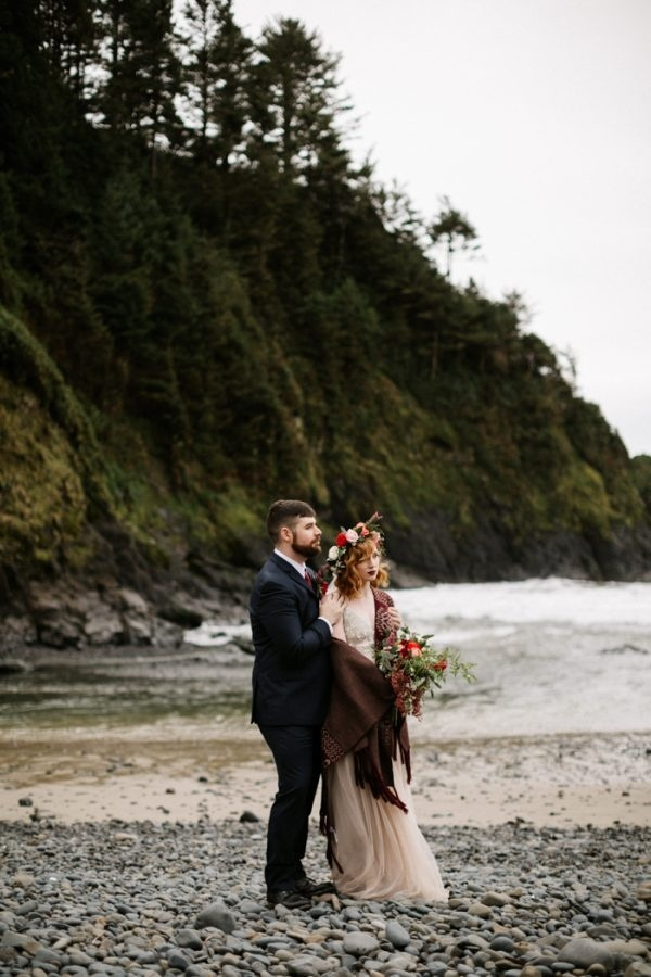 Colorful Oregon Elopement Couple Portrait