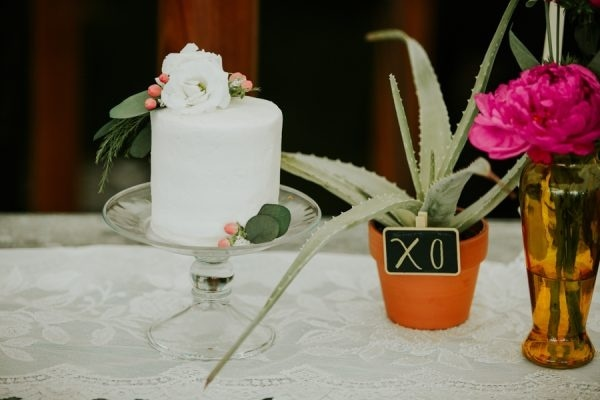 Rustic Modern DIY Succulent Planter and Wedding Cake Chalkboard Display