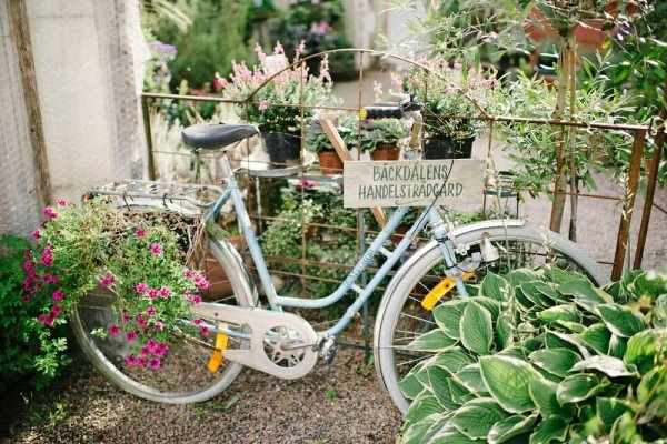 Bicycle Detain in this Charming Swedish Greenhouse Wedding