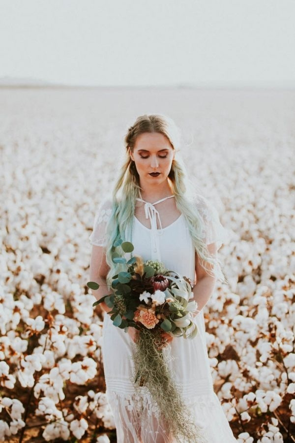 Alternative Elopement Inspiration in a Cotton Field Bridal Style