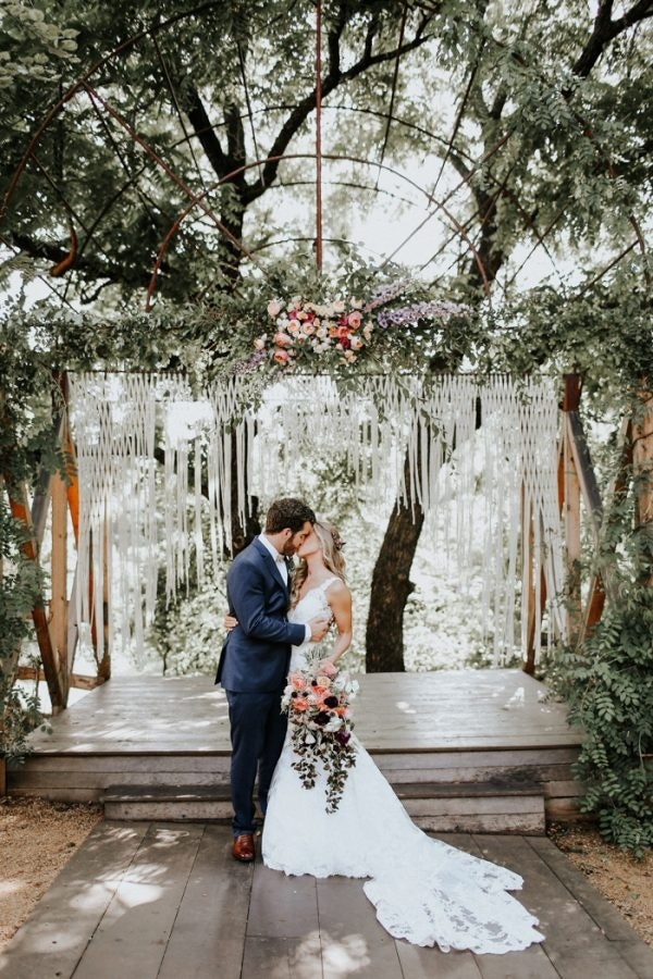 Fall Wedding Seamlessly Blends Bold and Soft Styles Ceremony Inspiration