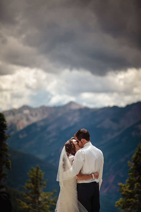 Art Deco, rock and roll inspired wedding in Aspen, with photos by Jason and Gina Photography | via junebugweddings.com