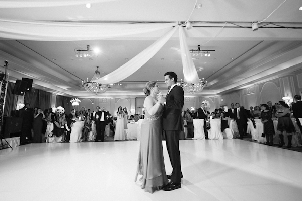 elegant wedding photos by Texas wedding photographer Adam Nyholt | via junebugweddings.com