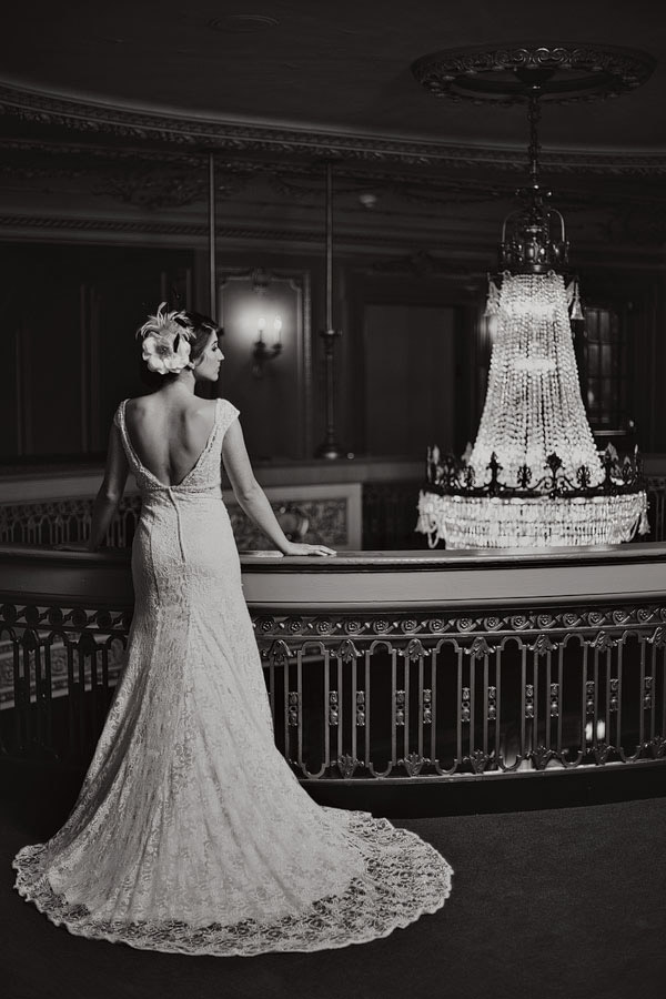 Dallas bridal portraits at the majestic theater by wedding for Majestic homes bryan tx