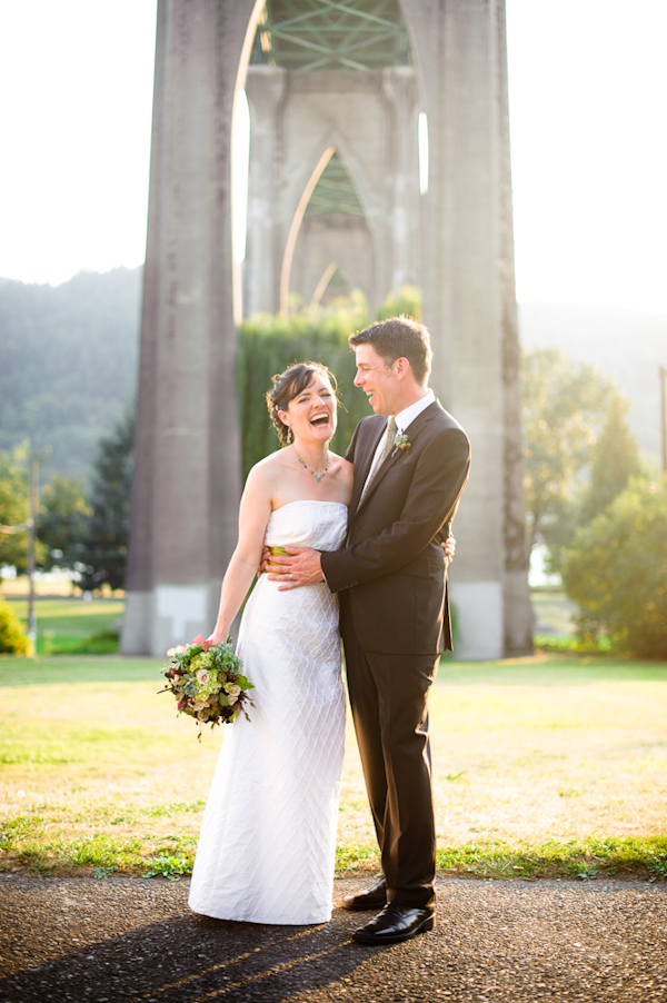Gorgeous Fall Cathedral Park Wedding Photo Collection By Portland Photographer Aaron Courter Junebug Weddings