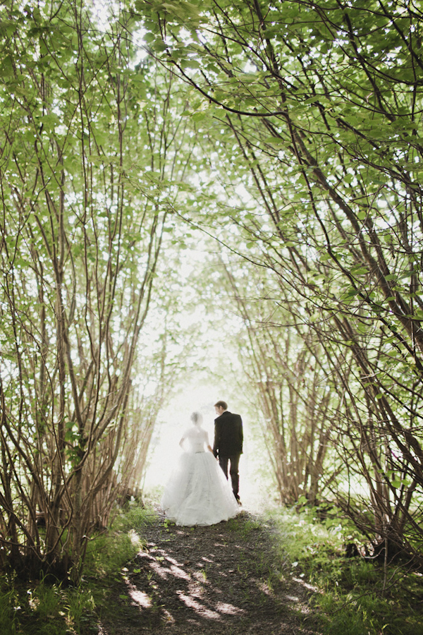 distinctive wedding photo by top Australian wedding photographer Jonas Peterson