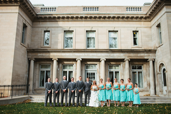 gorgeous minnesota fall wedding at the gale mansion - photos by top minnesota based wedding photographer Gene Pease