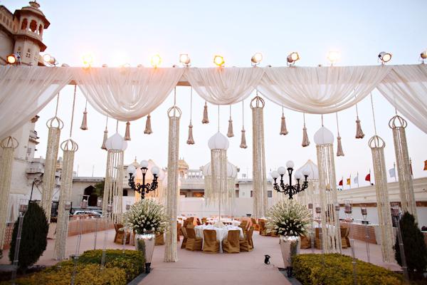 leela-palace-hotel-indian-wedding-celebration-photos-by-michele-waite-photography-and-whitebox-weddings-02.jpg