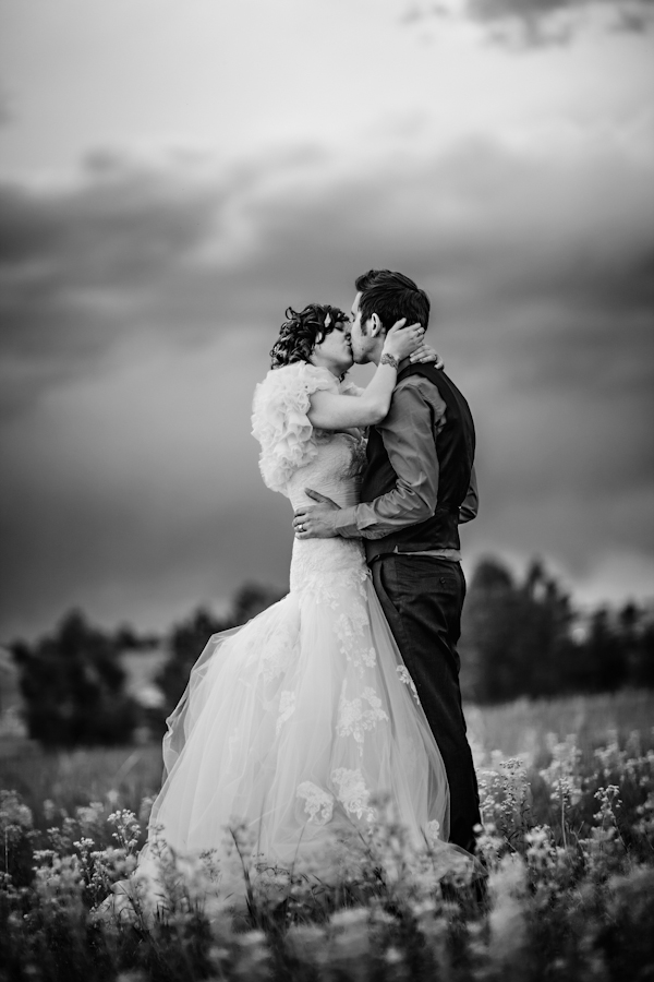 sweet outdoor wedding at Villa Parker - Parker, Colorado - photos by top Denver-based wedding photographers Jason + Gina | Junebug Weddings