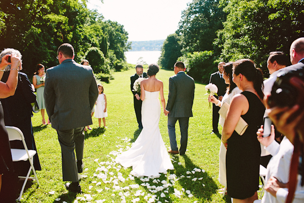 relaxed and rustic outdoor wedding in hudson valley photographed by wedding photographer Pat Furey   junebugweddings.com