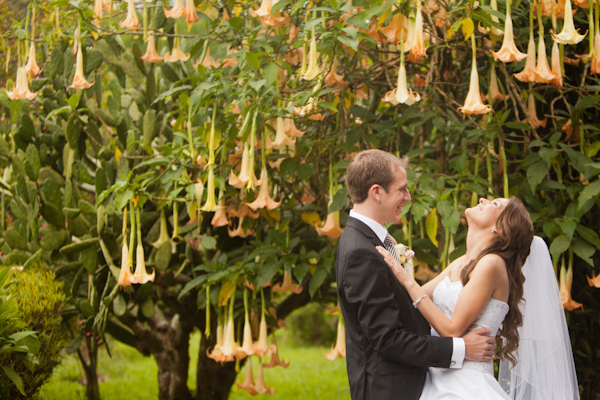 traditional brazillian wedding in costa rica, photographed by Kathryn Krueger photography | via junebugweddings.com