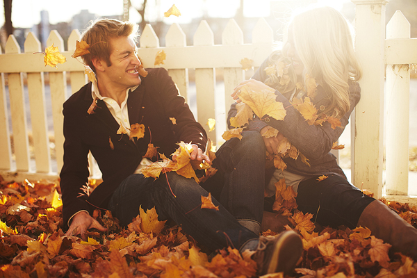 fun and playful engagement photo by Spencer Combs| junebugweddings.com