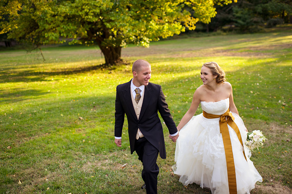 warm and joyful wedding with photos by Daniel Moyer Photography | via junebugweddings.com