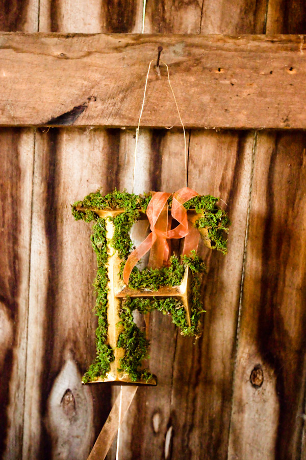 amazing wedding detail photo by Jeremie Barlow Photography