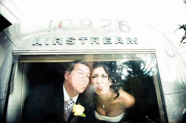 brilliant and funny wedding photo from 2010 - Laurel McConnell Photography