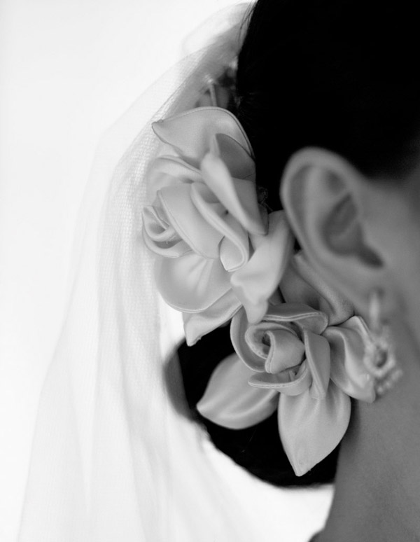 beautiful wedding detail photo by Yitzhak Dalal Photography