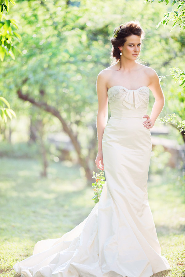 beautiful outdoor bridal portraits by top Austin wedding photographer Christina Carroll, floral wedding hair accessories