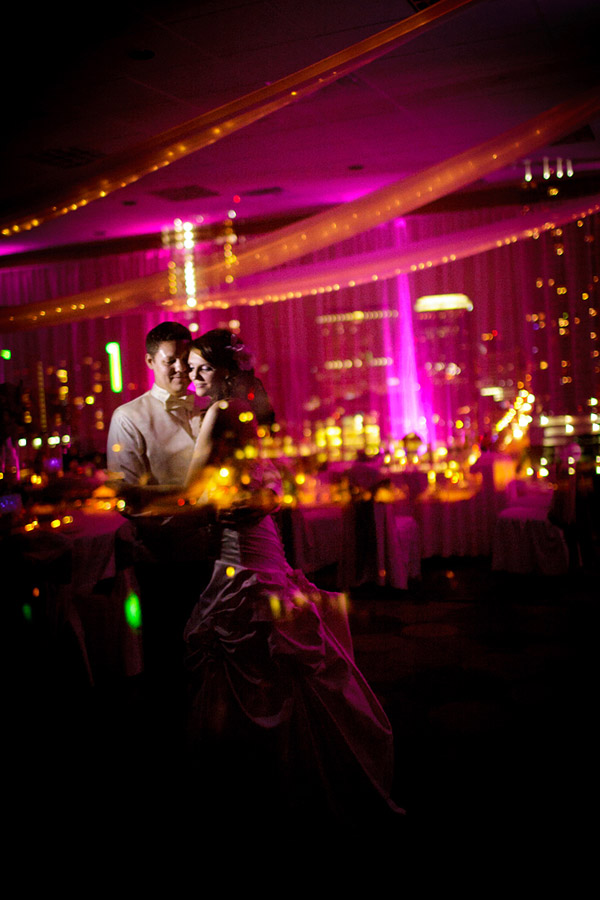 creative use of color in wedding photo composition, photo by Tony Ku Photography