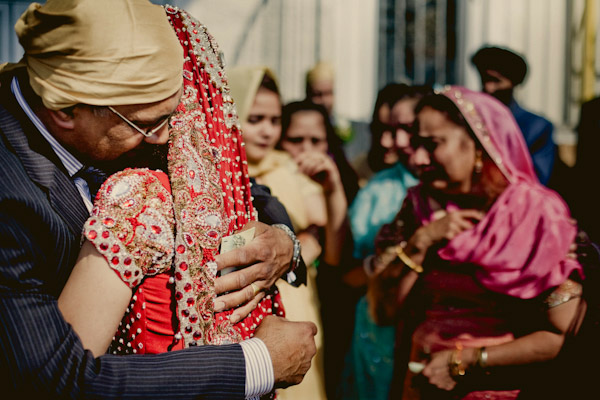 heartbreakingly emotional family wedding photo by stillmotion photo + cinema