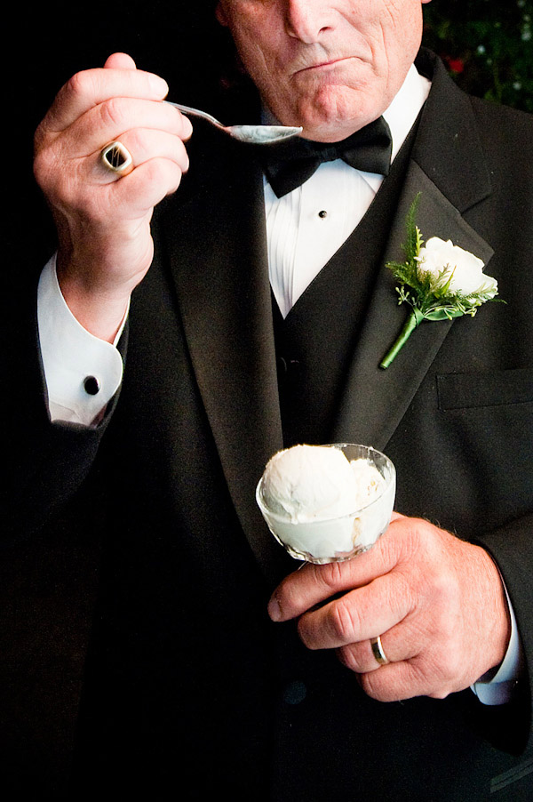 hilarious wedding photo, dad eating ice cream, image by Laurel McConnell Photography