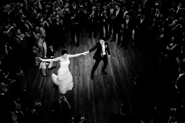 honorable mention best wedding reception photo of 2011 by Tak Young of STAK Photographer Duo