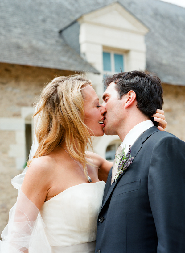 romantic and hot wedding kiss, photo by California wedding photographer Elizabeth Messina