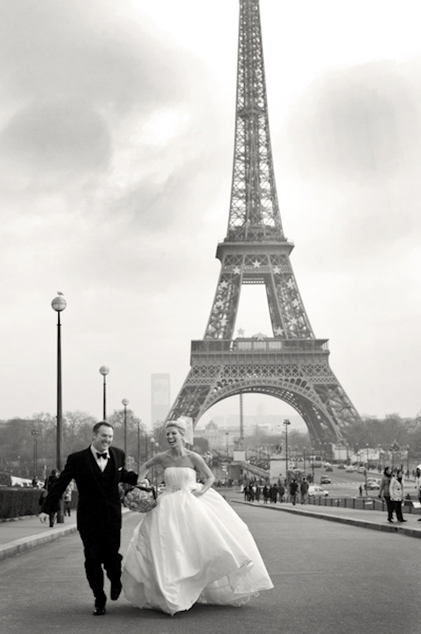 Paris real wedding photo by Amy and Stuart Photography