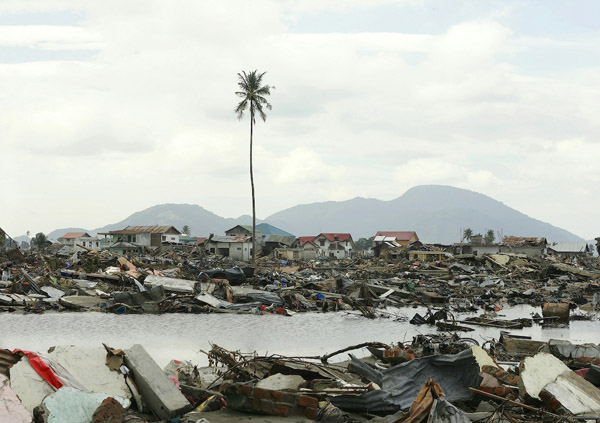 2004 Indonesia tsunami photos by Ira Lippke, top New York and destination wedding and documentary photographer