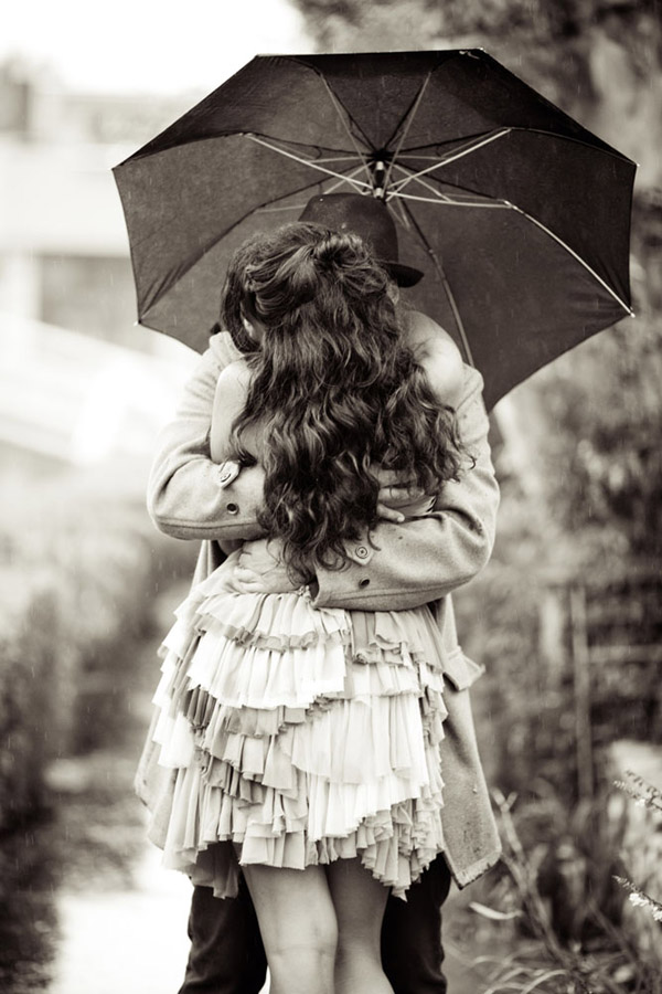 romantic rainy day enagement photo shoot in LA, images by Caroline Tran Photography